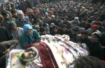 Pic-2 Kashmiris carry the body of villager Mushtaq Ahmed Mir