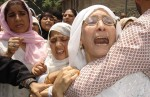 17-06-05-Women wailing over the  death of a  Kashmiri youth